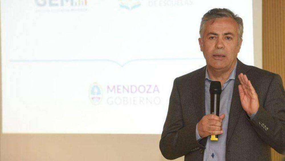 Cornejo lanzó una app para el registro de asistencias de alumnos y le pegó a la