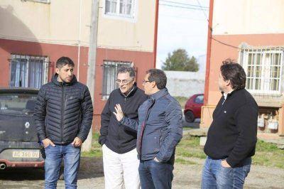 Funcionarios de entes de energía recorrieron barrios de Río Grande
