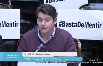 Pérez tuvo un duro cruce con Peña