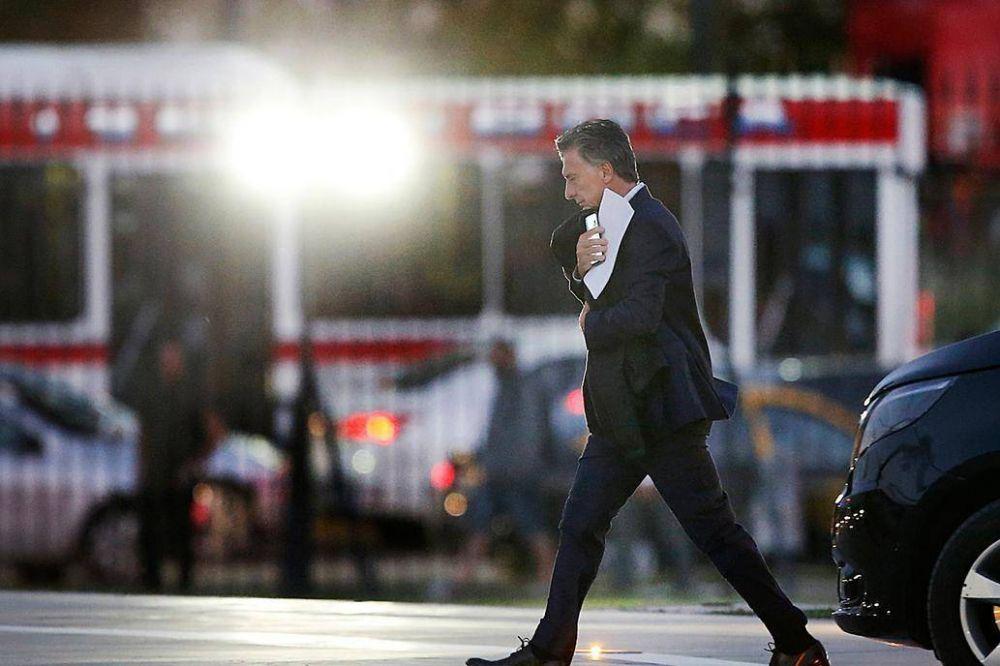 Macri mantuvo una agenda paralela, en un día de corridas frenéticas