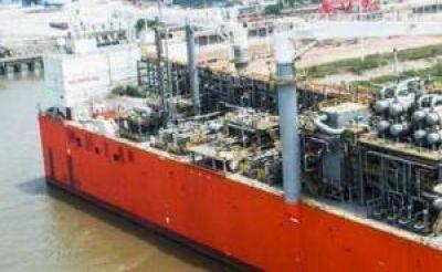 YPF avanza con el proyecto de la barcaza