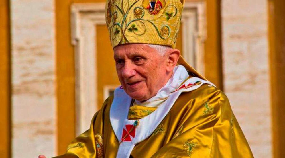 En escrito sobre Iglesia y abusos, Benedicto XVI afirma que solución es volver a Dios