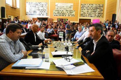 """""""El gremio miente"""", dijo Distéfano, pero para los docentes municipales """"el mentiroso es él"""""""