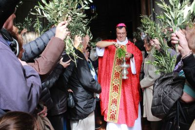 Los católicos se preparan para la Semana Santa