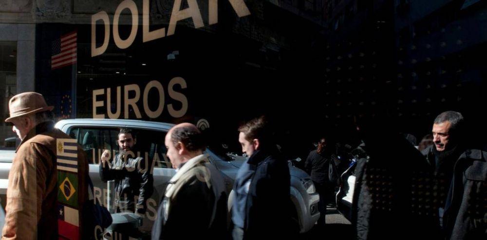 Por qué baja el dólar: las cerealeras vendieron US$ 150 millones y la divisa cayó casi 60 centavos