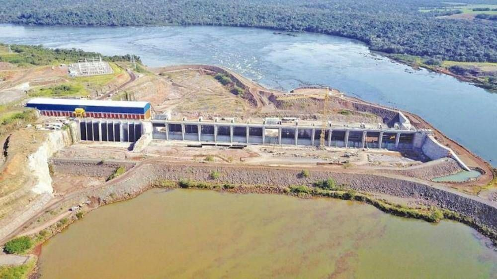 Ya funciona al 100% la represa ubicada a 90 kilómetros de las Cataratas