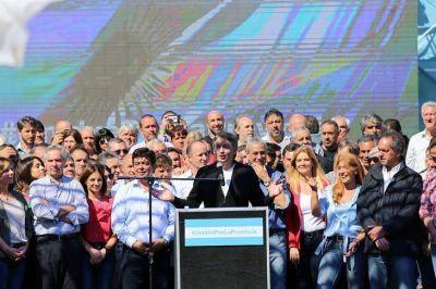 El peronismo lanzó la campaña bonaerense con foto y mensaje de unidad