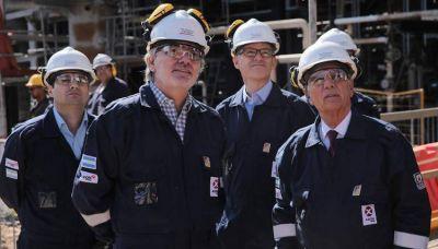 El Secretario de Energía visitó la refinería de AXION energy en Campana