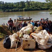 Retiraron 5 toneladas de residuos del río Uruguay