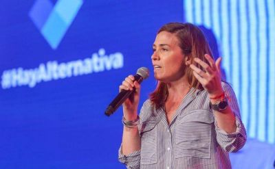 Jimena López sería precandidata a diputada nacional