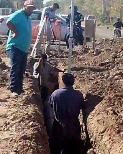 Mejoran el servicio de agua potable para miles de vecinos en Fernández Oro