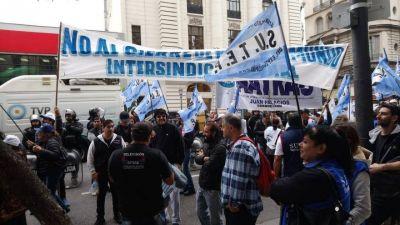 """""""No hay más Radio El Mundo"""": son 60 trabajadores que quedaron en la calle y piden un recurso de amparo"""