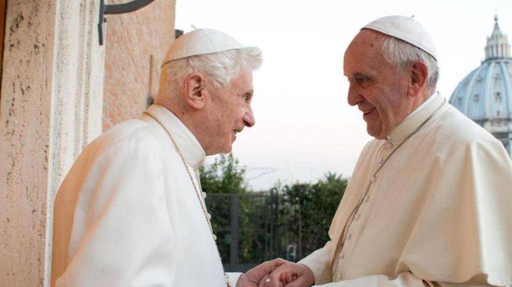 Francisco y la sombra de Ratzinger; la coexistencia que pesa sobre el Vaticano