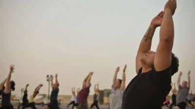 Namasté, petroleros: reunión industrial incluye clases de yoga