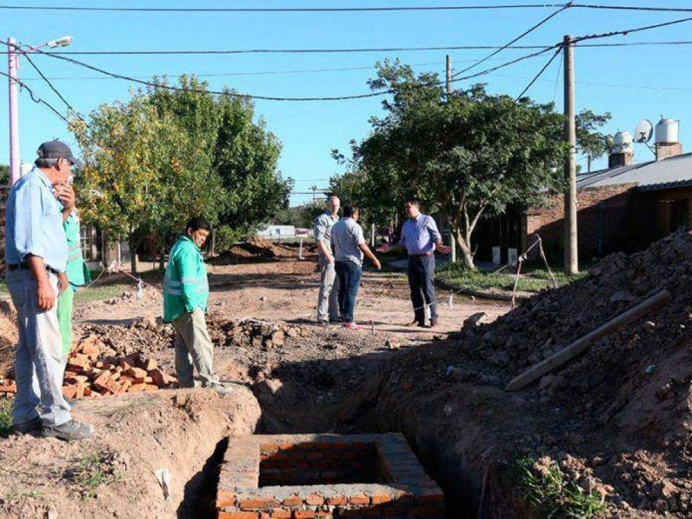 Mujeres Argentinas: mantenimiento, desobstrucción de ductos subterráneos y obras clave de desagües pluviales