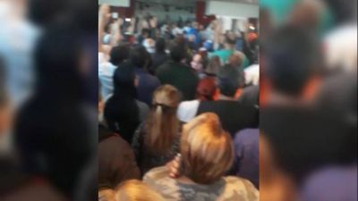 ATE Ensenada: Apoyado por una patota, Banegas aprobó un balance irregular