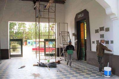 Realizan trabajos de albañilería y embellecimiento de sectores en el Cementerio
