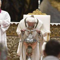 """El Papa en la Misa Crismal: """"Somos ungidos para ir a las multitudes"""""""