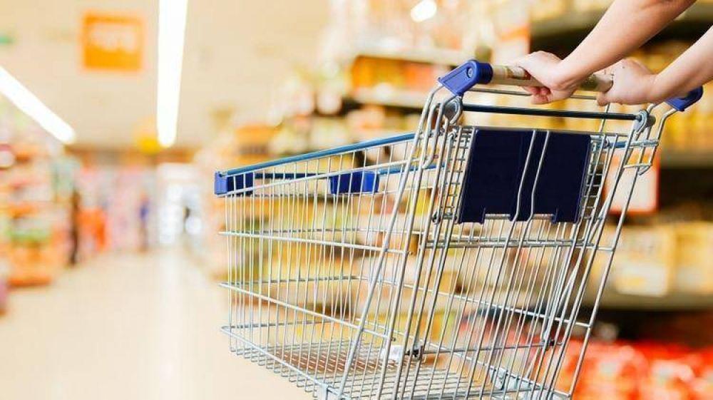 Advierten que los precios congelados y las tarifas sin aumento tienen poco peso en la inflación que mide el Indec