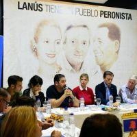 Acuerdan una convivencia pacífica en el peronismo de Lanús para enfrentar a Grindetti