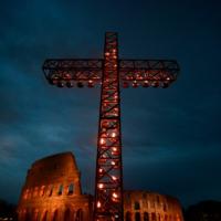 Los nuevos crucificados serán el foco de las meditaciones del Vía Crucis