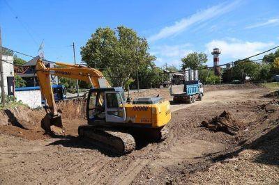 El municipio construye desagüe y rotonda en la zona del Puerto San Isidro