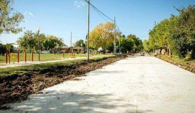 Pavimentan once cuadras con cordón cuneta en el barrio Las Lomas