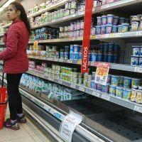 Empiezan a regir los precios fijos por seis meses para 64 productos de la canasta básica