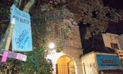 """Docentes contra la cúpula de Suteba: """"Su práctica es manejar todo a puertas cerradas"""""""