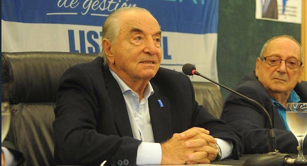 Cavalieri instaló que se despegaba de los patrones salariales del Gobierno y después se