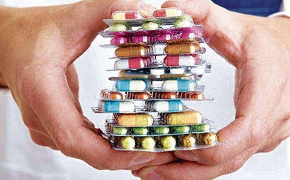 Las farmacias venden 100 mil remedios menos por día