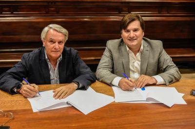 Intendente Kubar firmó u convenio de colaboración con el presidente de Trenes Argentinos