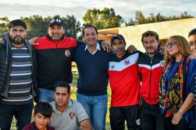 Ariel Sujarchuk recorrió clubes de barrio que realizan mejoras en sus instalaciones gracias al Fondo Municipal de Promoción del Deporte