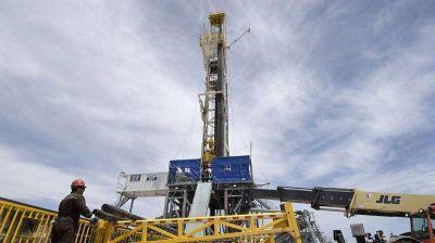 YPF construirá dos plantas más y quiere procesar 150 mil barriles más en Vaca Muerta