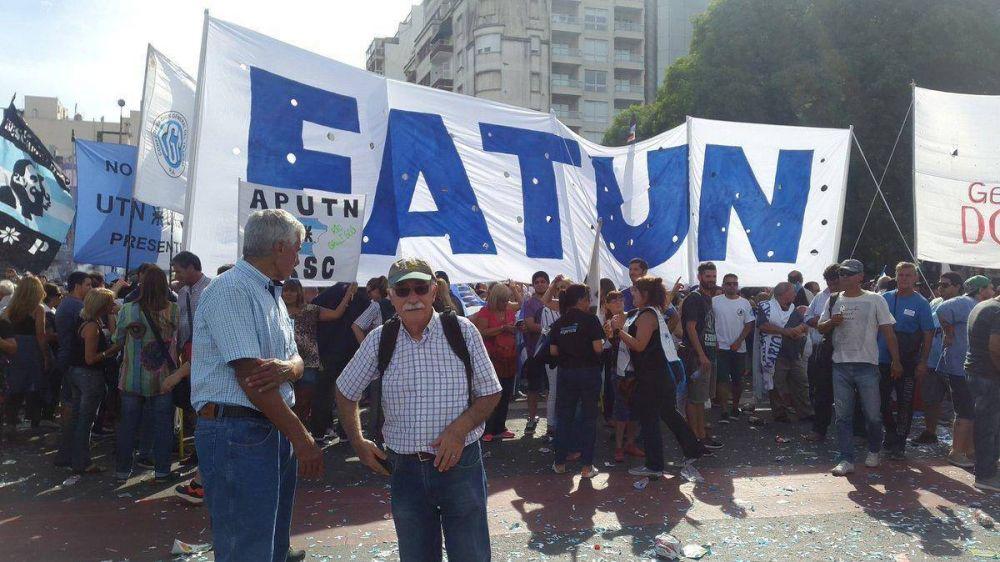 Trabajadores de Universidades Nacionales se pliegan al paro general y llaman a movilizar