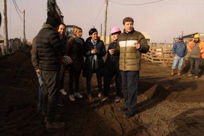 Río Grande: El intendente Melella recorrió obras de cloacas y agua en barrios de la Margen Sur
