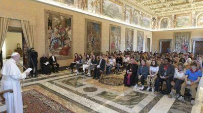 Papa Francisco propone estos cuatro consejos a jóvenes para permanecer cerca de Jesús