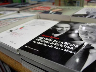 La campaña política se trasladó a las librerías de Mendoza