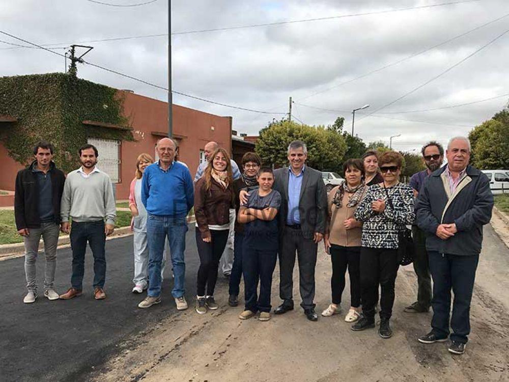"""Avanza la obra de asfalto en el Barrio """"San José"""""""