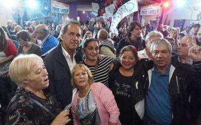 """Para Scioli """"el verdadero riesgo país"""" son el hambre, la desocupación y el abandono de las pymes"""