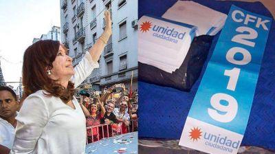 El entorno de Cristina ya anticipa en las calles su candidatura a la presidencia