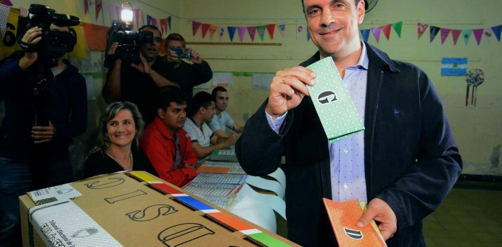 Terceros en Santa Fe: un nuevo tropiezo que ahonda la crisis política de Cambiemos