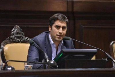 Mosca pide licencia en su cargo tras denunciar ser víctima de extorsiones