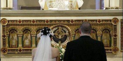 Holanda multará a quienes contraigan matrimonio religioso antes que civil