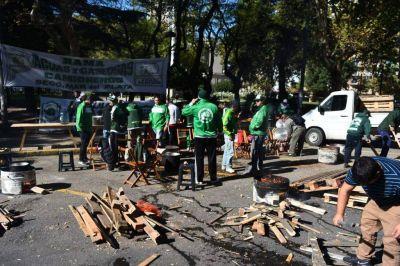 """Camioneros contra gremios del transporte: """"Es una vergüenza hacer un paro en el Día del Trabajador"""""""