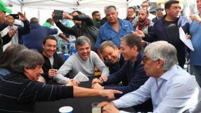 Los intendentes y Moyano acordaron empujar a Insaurralde o Magario para la gobernación