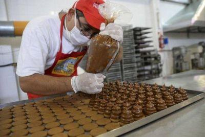 Pasteleros cerró un aumento salarial del 30% para la rama alfajores