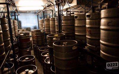 Y un día la crisis llegó a la cerveza artesanal: cierran locales de recarga de botellones