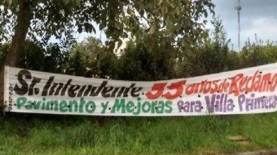 Vecinos de Villa Primera reclaman arreglos para el barrioVecinos de Villa Primera reclaman arreglos para el barrio