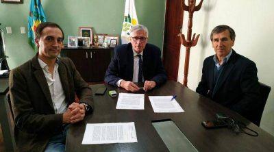 Lezama y General Belgrano firmaron convenio para derivación de pacientes